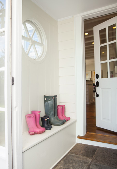 Benjamin Moore Simply White: How To Pick The Right White For Your Home